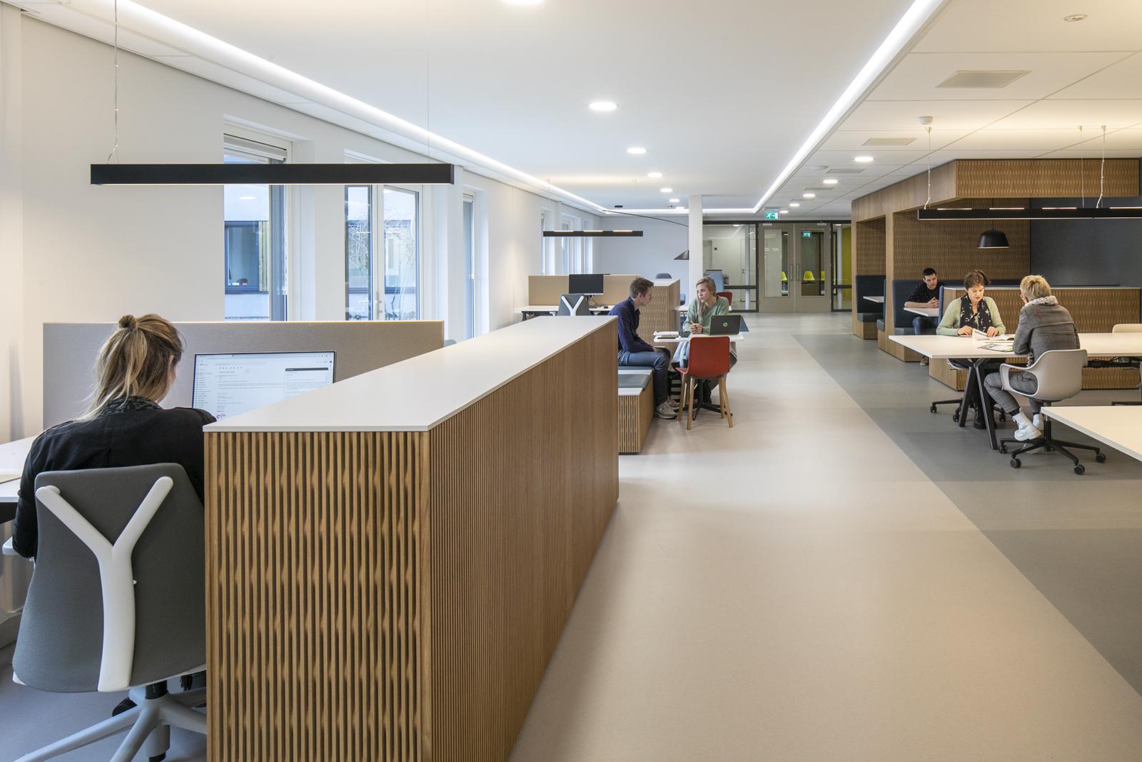 StM-Kantoor-De-Binckhorst-zicht-in-werkcafé